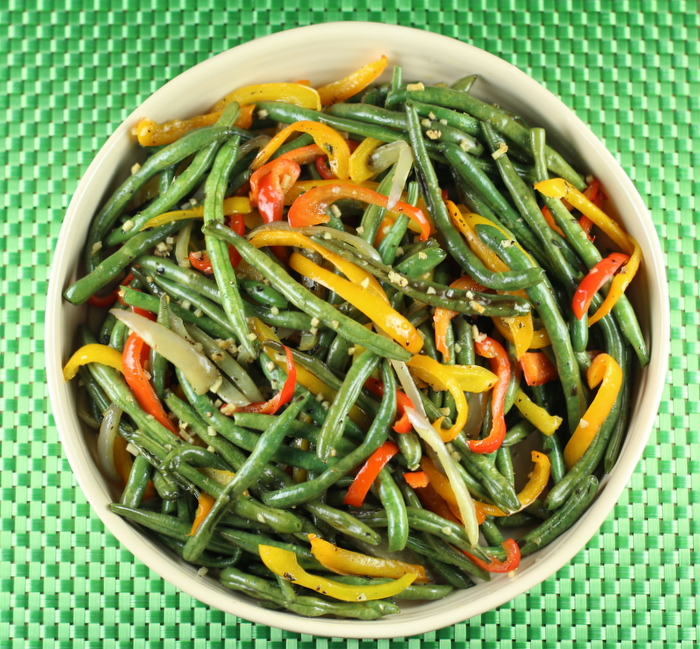 Roasted Green Beans and Peppers with Garlic